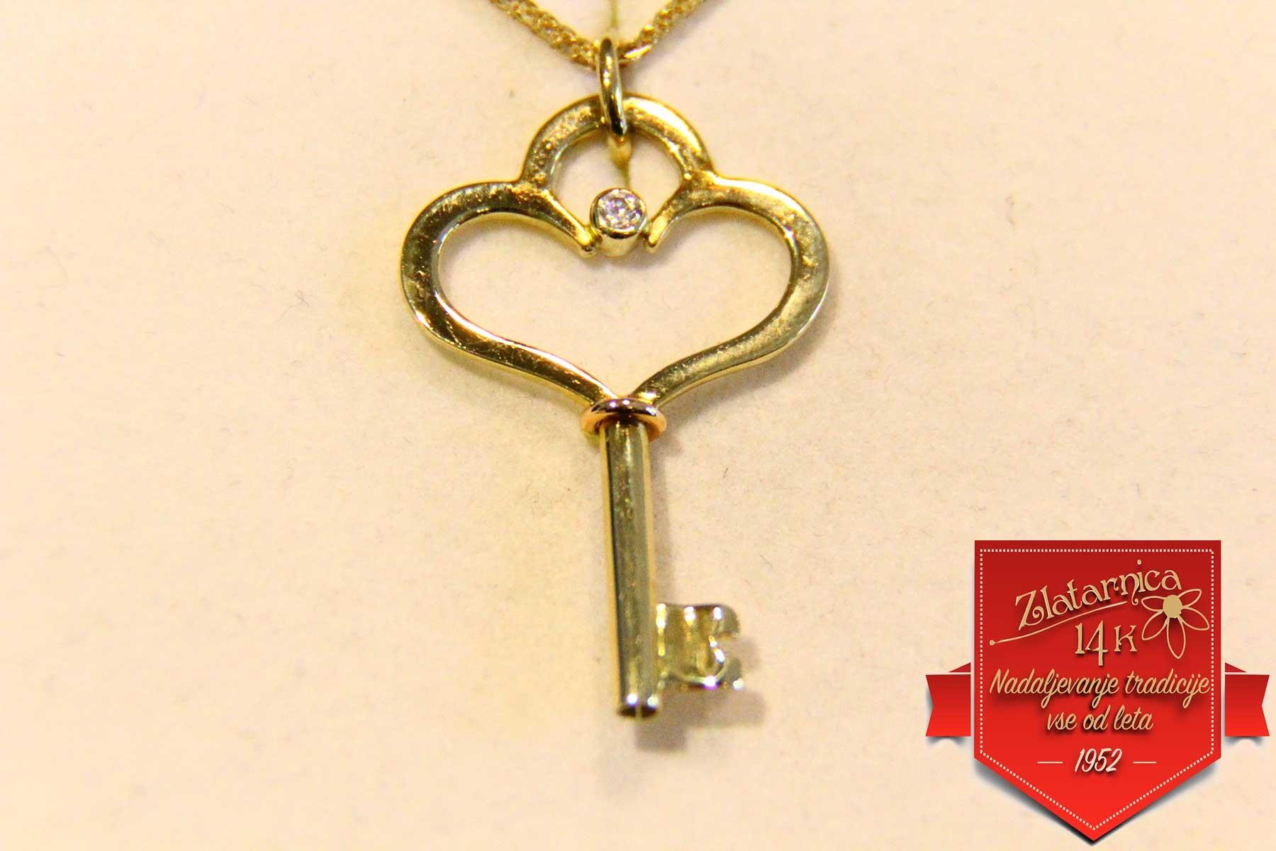 Obesek ključ do srca
