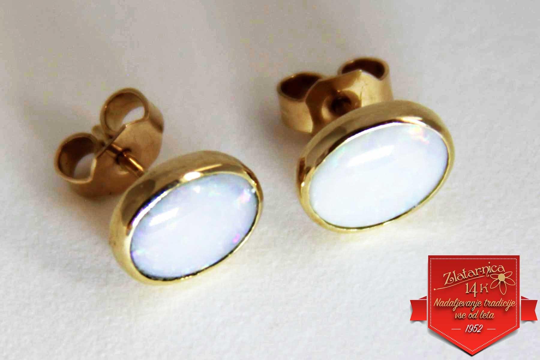 Uhani Opal